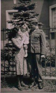 La cigogne n'a qu'une tête Igor Futterer Joseph et Marie Kopp 1944